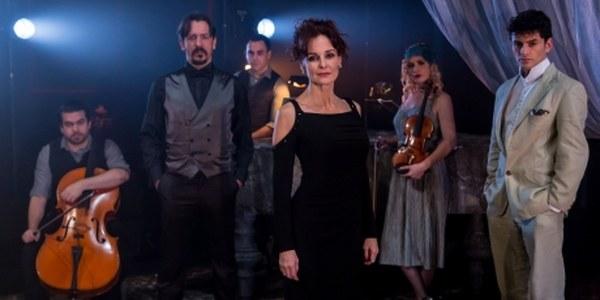 Silvia Marsó protagoniza '24 horas en la vida una mujer' en el Teatro Lope de Vega junto a Gonzalo Trujillo
