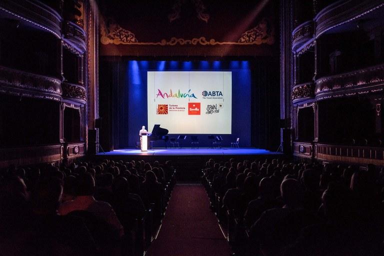 Teatro Lope de Vega 1.jpg