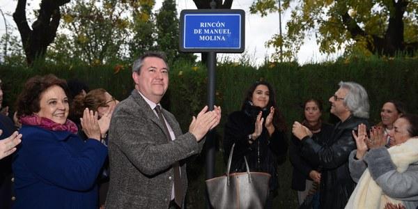 Triana dedica un 'rincón' a la memoria de Manuel Molina