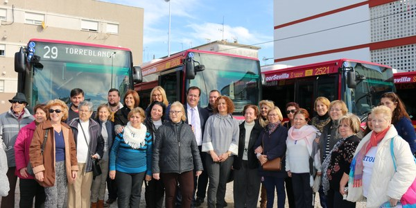 TUSSAM presenta 13 nuevos autobuses que prestarán servicio a las líneas 29 y 39