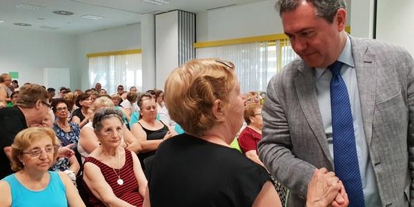 Unas 500 personas participan en las actividades del Centro de Mayores del Polígono Sur en sus primeros seis meses