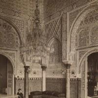 Real Alcázar. Sala de Audiencias o salón de Doña María de Padilla en el piso alto del palacio del Rey Don Pedro. 1880-1905 ©ICAS-SAHP. Fototeca Municipal de Sevilla, fondo Beauchy