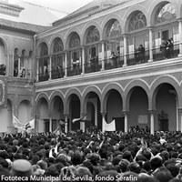 Primera visita oficial a Sevilla de Juan Carlos y Sofía como Reyes de España. Marzo de 1976 ©ICAS-SAHP, Fototeca Municipal de Sevilla, fondo Serafín