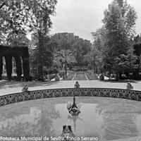 6. Fuente de las Ranas. 1910-1920 ca.  ©ICAS-SAHP, Fototeca Municipal de Sevilla, fondo Serrano