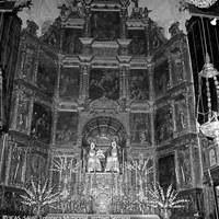 3. Altar Mayor de la iglesia de Santa Ana durante la celebración de la Velá de 1966.  ©ICAS_SAHP, Fototeca Municipal, archivo Serrano.