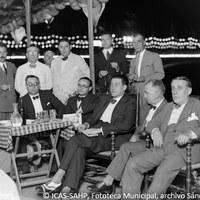 29. La Comisión de Festejos del barrio de Triana en la Caseta Municipal. 1933. ©ICAS-SAHP, Fototeca Municipal, archivo Sánchez del Pando.