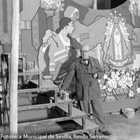 1.- Gustavo Bacarisas posando entre las tablas que decorarían la cúpula del Salón de la Industria del Pabellón de Argentina en la Exposición Iberoamericana de 1929 de Sevilla. 1928 ©ICAS-SAHP, Fototeca Municipal de Sevilla, fondo Serrano