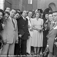 Visita a las obras de la nueva basílica para la Hermandad de la Macarena, inaugurada en 1949. ©ICAS-SAHP, Fototeca Municipal de Sevilla, fondo Serrano