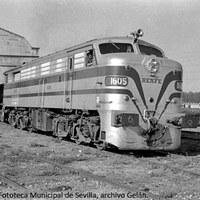 15. Talleres de MZA-RENFE. Locomotora. 1956 ©ICAS-SAHP, Fototeca Municipal de Sevilla, archivo Gelán.