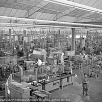 23. FASA RENAULT. Interior de la fábrica  ©ICAS-SAHP, Fototeca Municipal de Sevilla, archivo Serrano