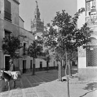 23. Barreduela de la Plaza de la Alianza. 1930 ca. ©ICAS-SAHP, Fototeca Municipal de Sevilla, fondo Serrano
