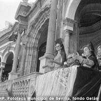Los príncipes de Mónaco en un palco de la Real Maestranza. 1966 ©ICAS-SAHP, Fototeca Municipal de Sevilla, fondo Gelán