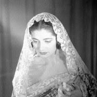 Juanita Reina en un retrato de estudio para  promoción discográfica. 1951 ©ICAS-SAHP, Fototeca Municipal de Sevilla, fondo Gelán