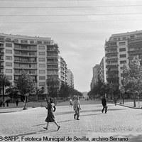 Plaza de Cuba. 1960 ©ICAS-SAHP, Fototeca Municipal de Sevilla, archivo Serrano