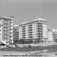 Calle Virgen de la Antigua y calle Monte Carmelo. Ca. 1960 ©ICAS-SAHP, Fototeca Municipal de Sevilla, archivo Serrano
