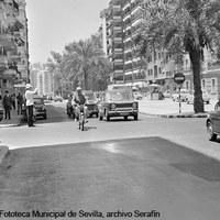 Calle Virgen de Luján y esquina de calle Monte Carmelo. Década 1960 ©ICAS-SAHP, Fototeca Municipal de Sevilla, archivo Serafín