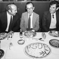 07.-Visita del presidente de la Diputación Provincial Manuel del Valle a Villanueva. 23 de octubre de 1982 ©ICAS-SAHP, Fototeca Municipal de Sevilla, fondo Alcaldía de Sevilla
