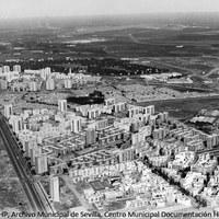 30. Vista aérea del Polígono San Pablo. 1969 ©ICAS-SAHP, Archivo Municipal de Sevilla, Centro Municipal Documentación Histórica