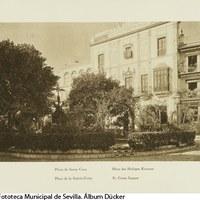 Plaza de Santa Cruz y Cruz de la Cerrajería. 1929 ©ICAS-SAHP, Fototeca Municipal de Sevilla. Álbum Dücker