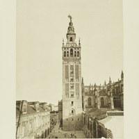 La Giralda junto a la Catedral de Sevilla y a la izquierda, el Palacio Arzobispal. 1929 ©ICAS-SAHP, Fototeca Municipal de Sevilla. Álbum Dücker