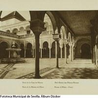 Patio principal de la Casa de Pilatos. 1929. ©ICAS-SAHP, Fototeca Municipal de Sevilla. Álbum Dücker