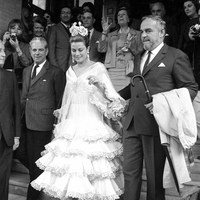 Los príncipes de Mónaco visitaron Sevilla en 1966. Grace Kelly vistió el traje de flamenca para asistir a la Feria.  ©ICAS-SAHP, Fototeca Municipal de Sevilla, fondo Gelán
