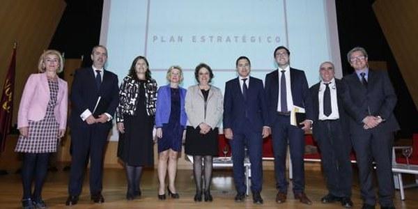 El Plan Estratégico marca la ruta para pasar de la Sevilla de los servicios a la de la industria