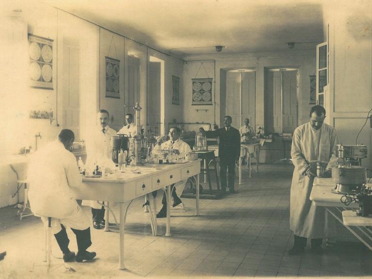 antiguo laboratorio de microbiologia