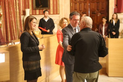 Foto alcalde acto represaliados 3.jpg